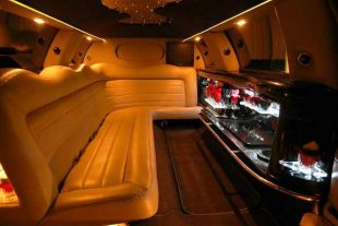 Lincoln stretch limo party rental St Louis