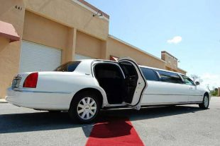 lincoln stretch limousine St Louis