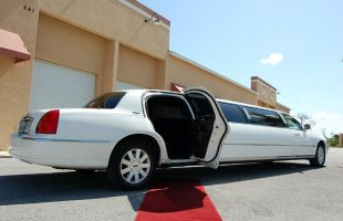 St-Charles -Lincoln-Limos-Rental